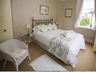 Woodlands Guest Houses image