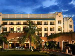 Fortune Landmark Indore Hotel