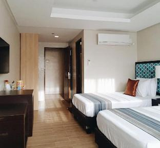 picture 2 of One Platinum Hotel