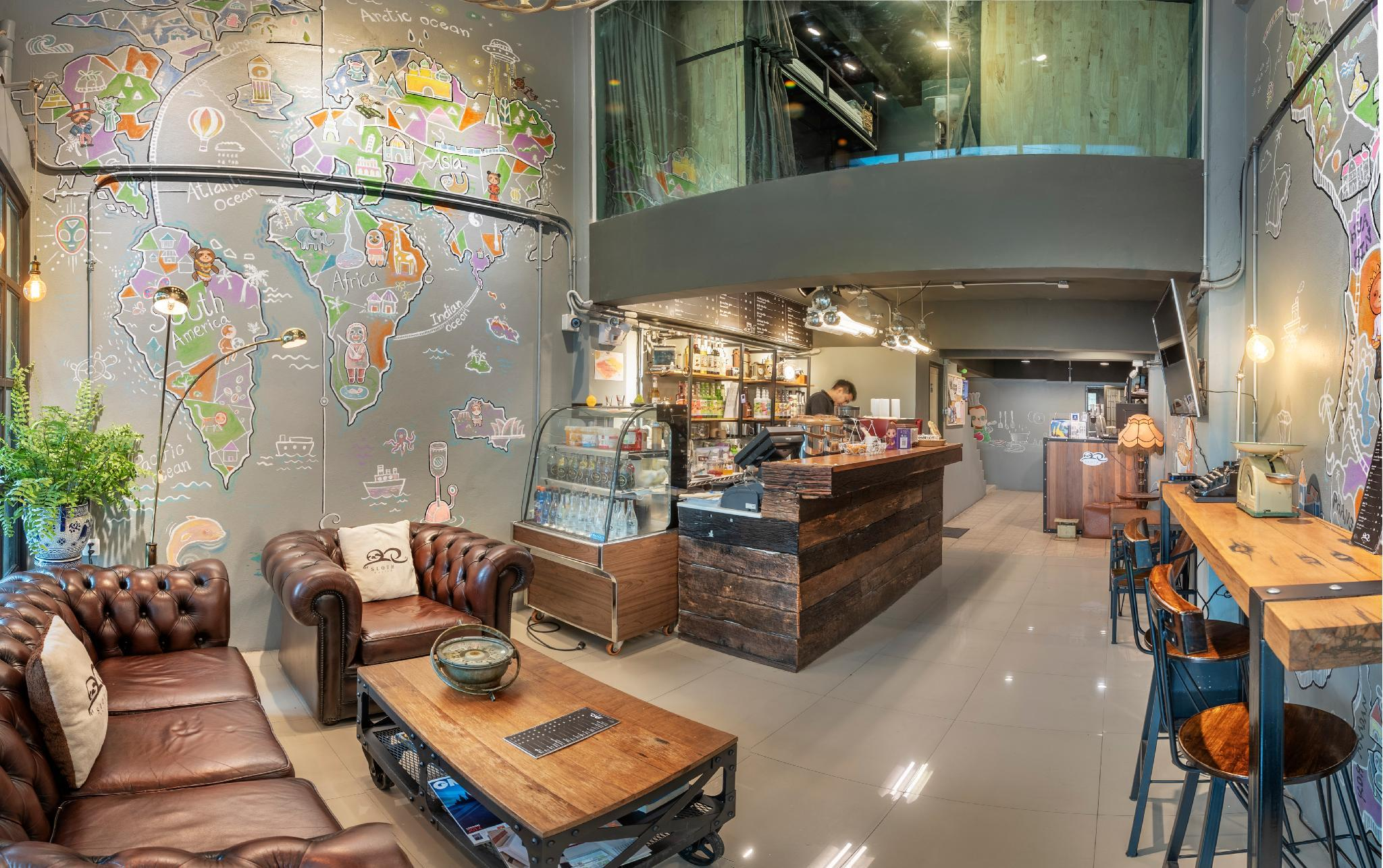 Sloth Hostel Don Mueang Airport