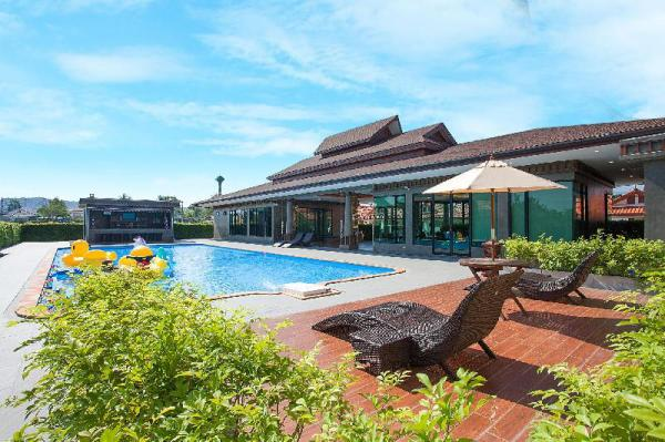 Near Cartoon network water park  4BR Villa 10pax   Pattaya