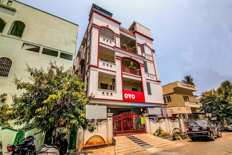 OYO 8671 Sri Krishna Residency