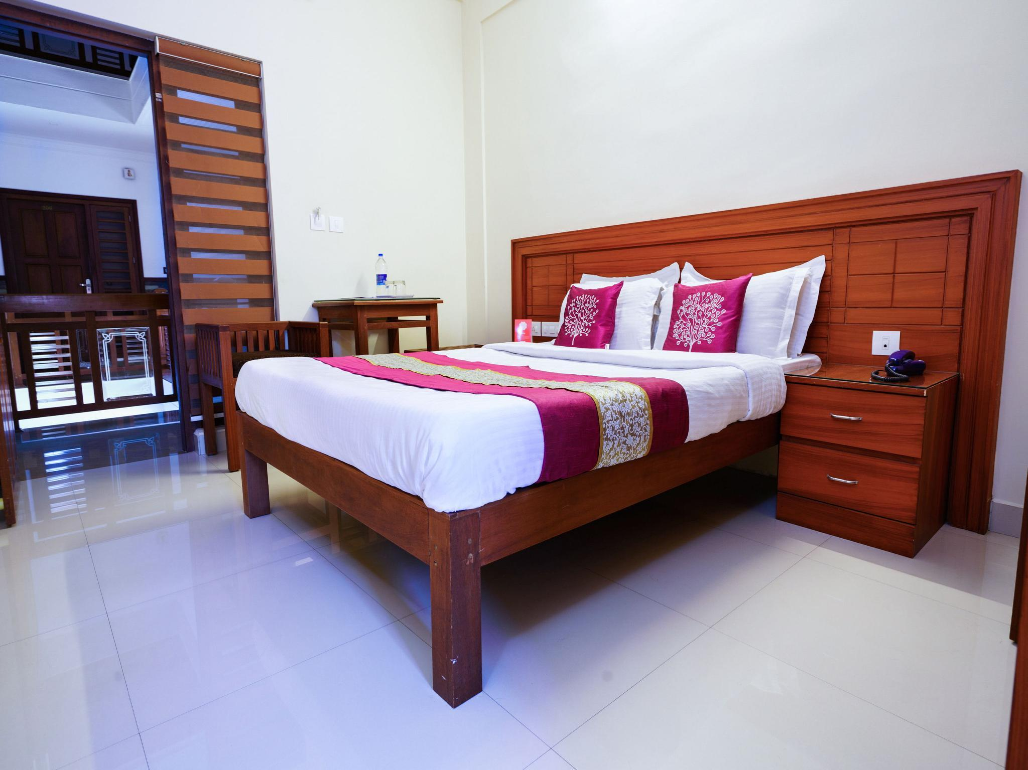 OYO 9404 Hotel White Fort