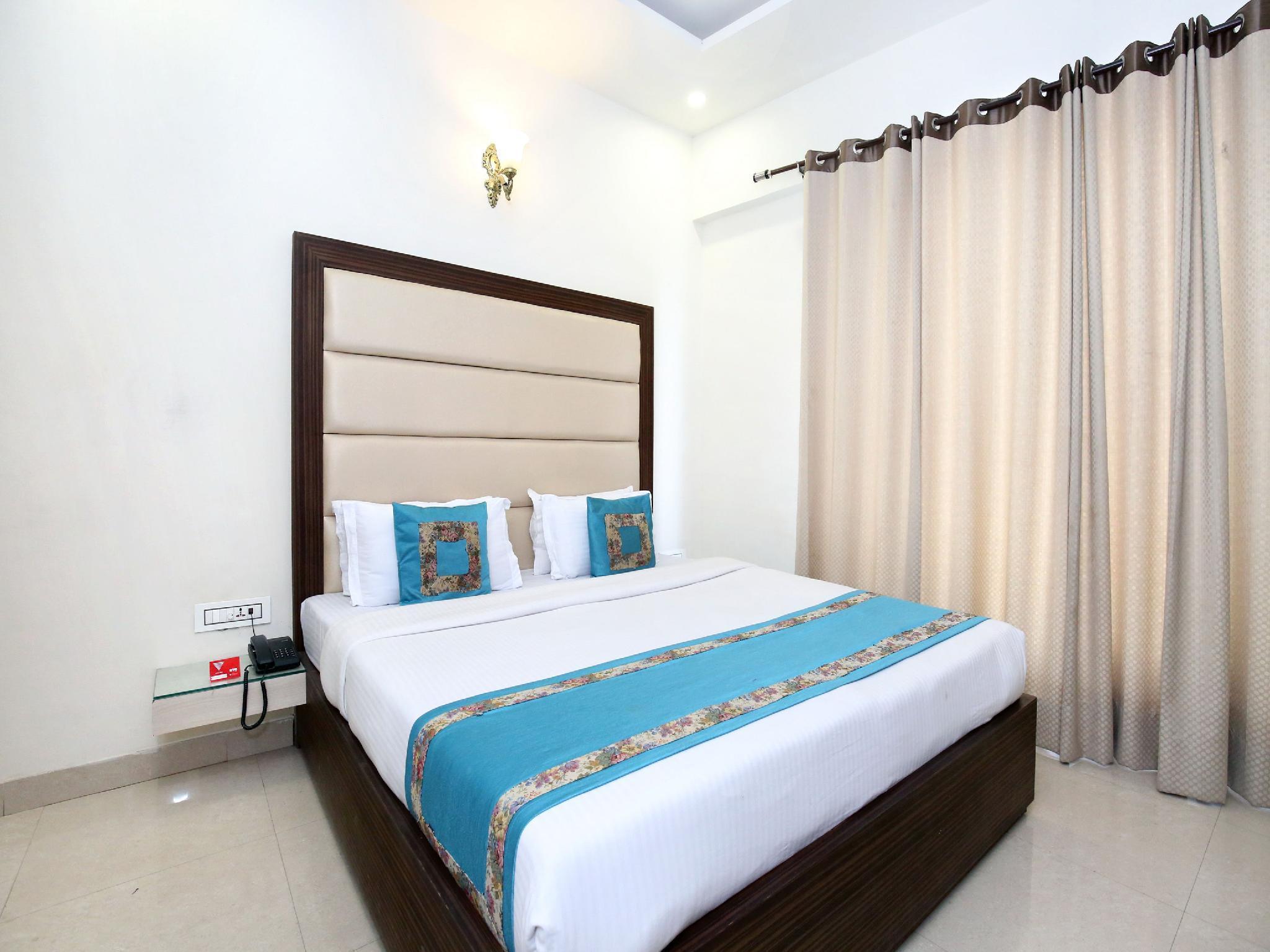 OYO 8954 Hotel Joy