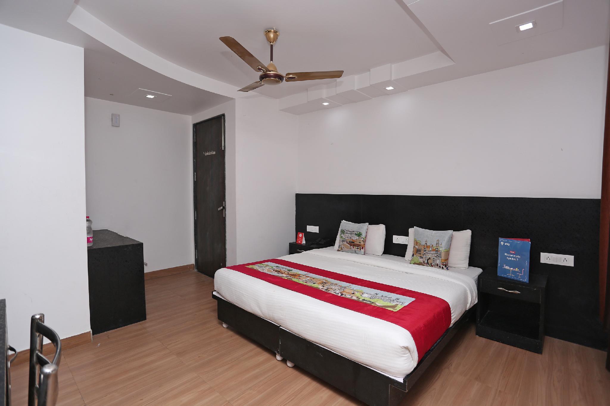 OYO 13026 Kanchan Residency