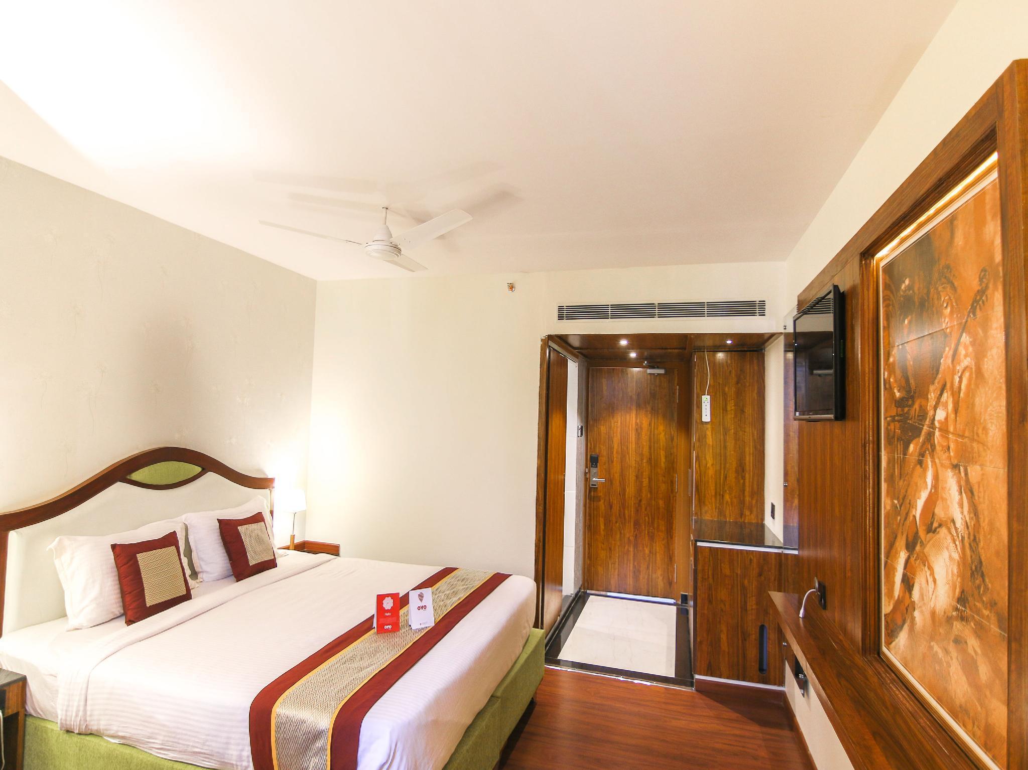 Capital O 9210 Hotel Blak & Wite