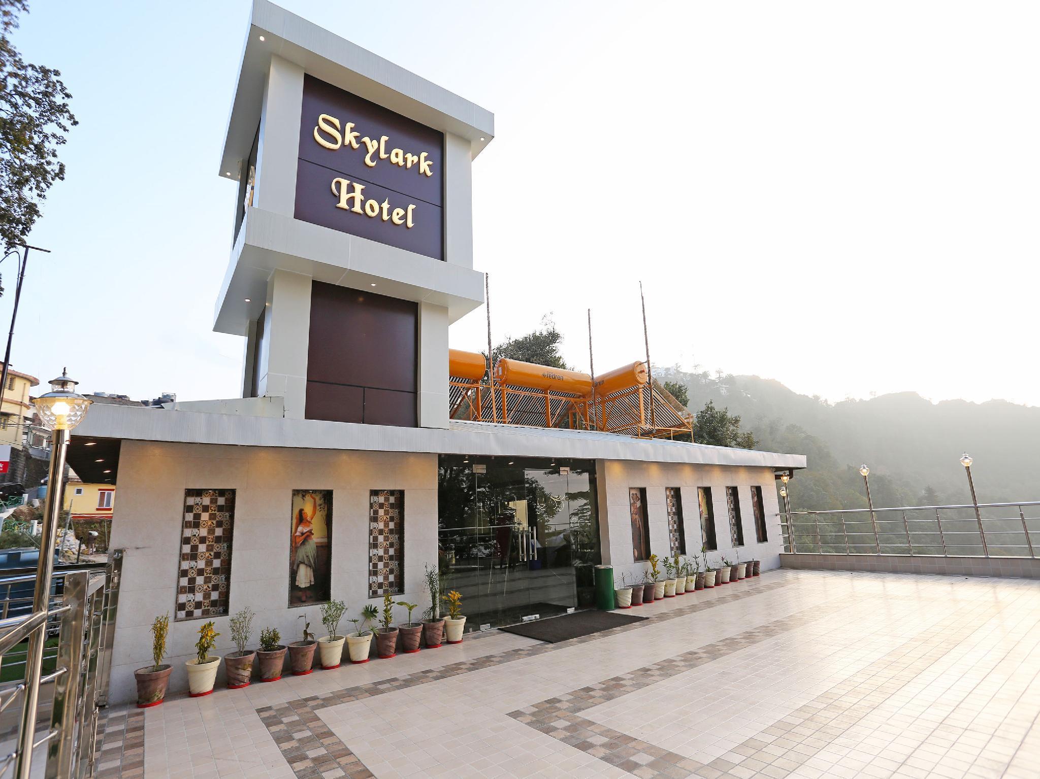 OYO 10076 Hotel Skylark
