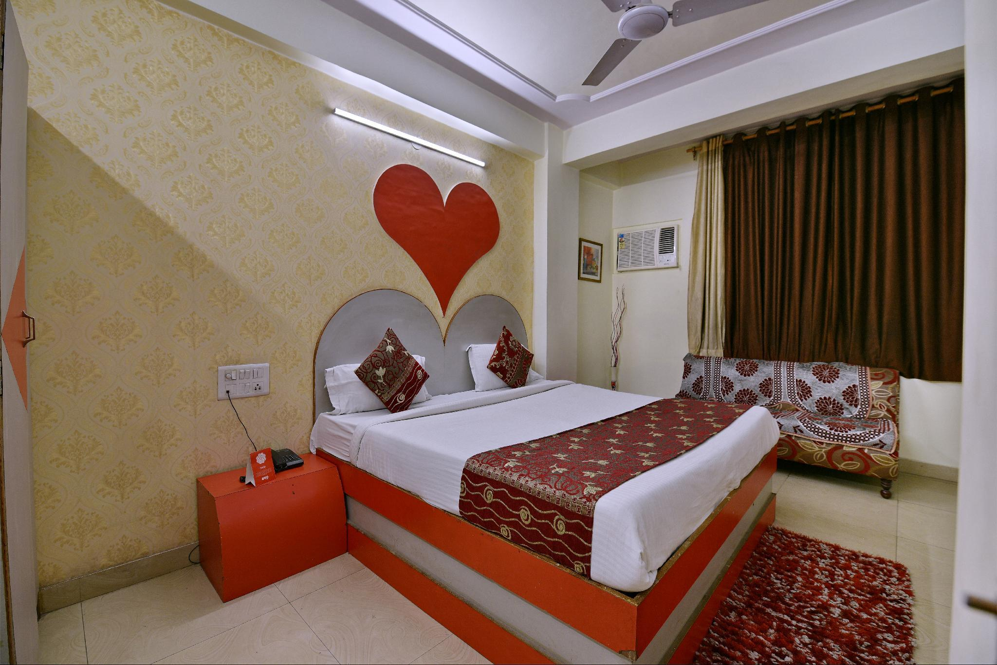 OYO 2326 Hotel Star Plaza