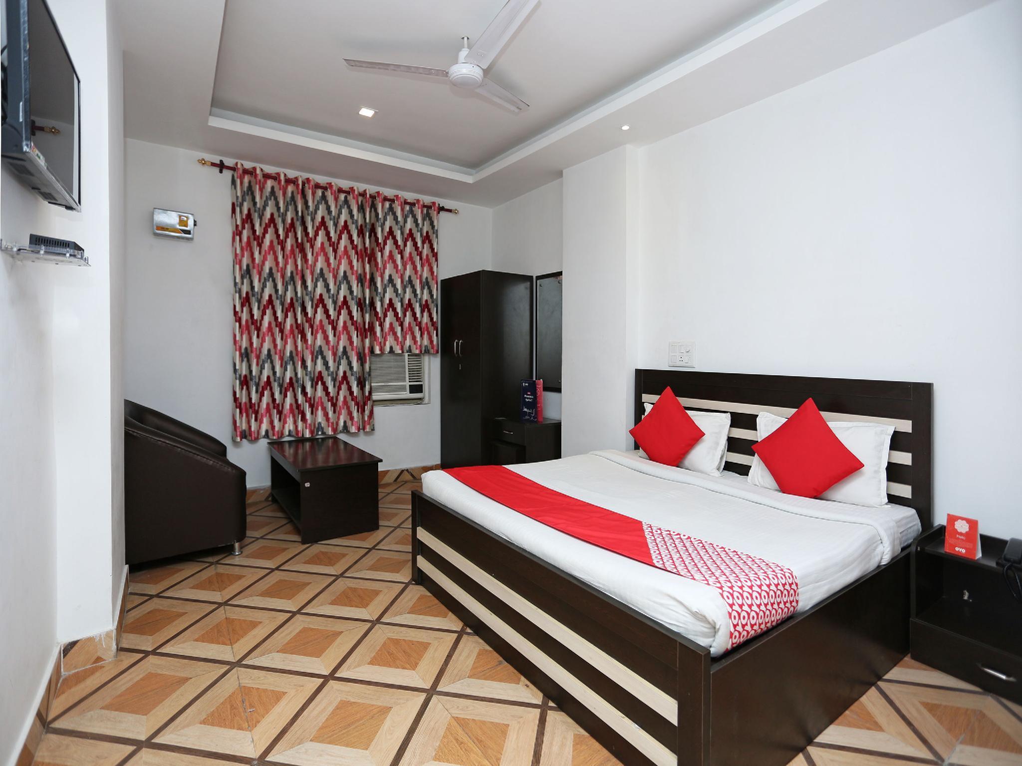 OYO 11008 The Ashoka Hotel