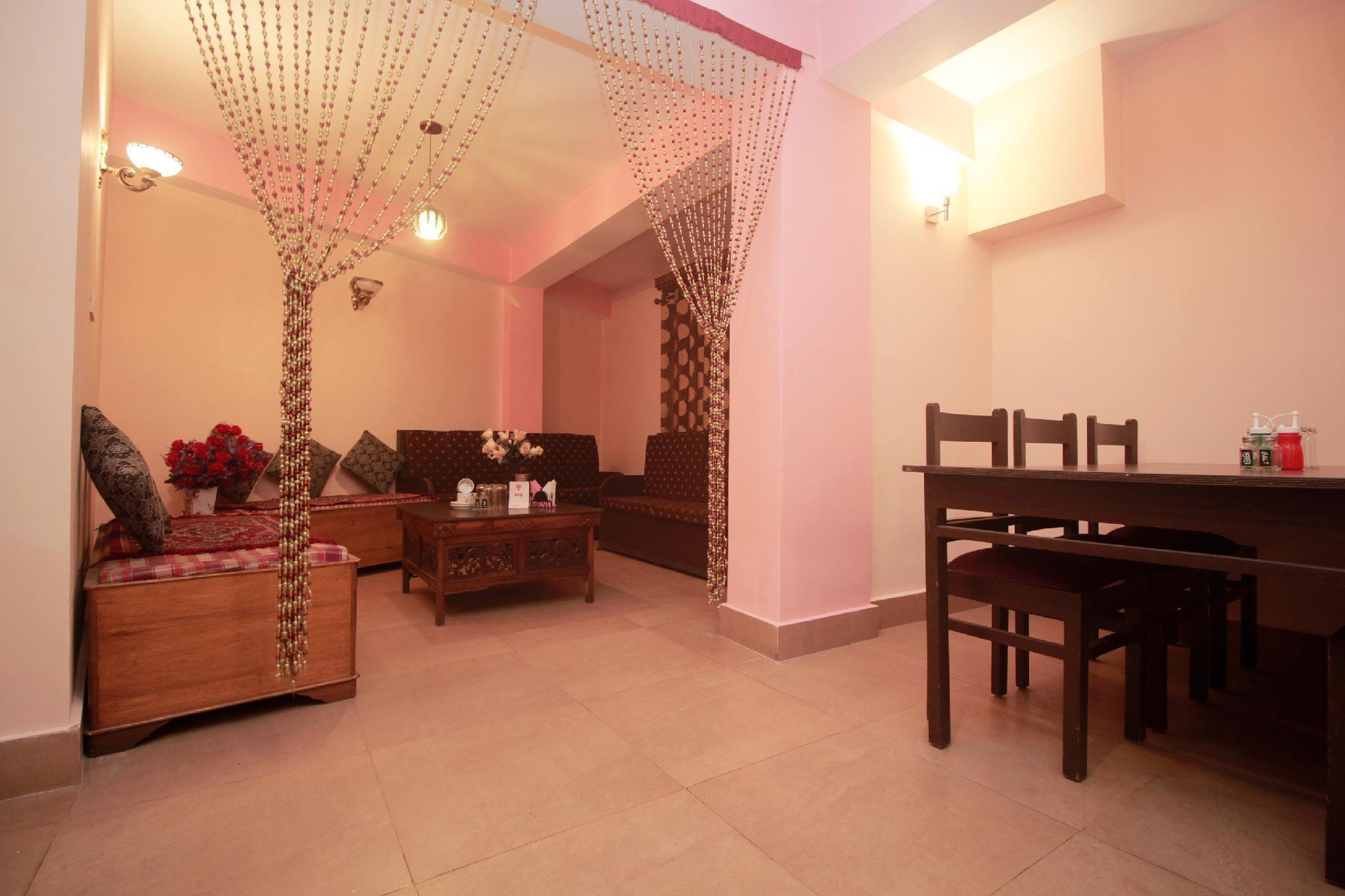 OYO 10883 Pema Thang Residency