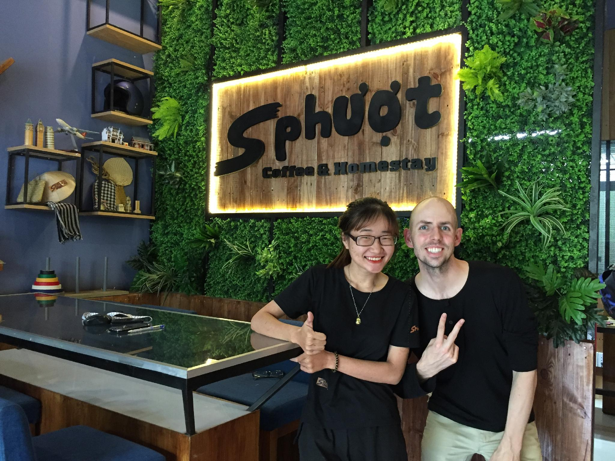 S Phuot Airport Hostel