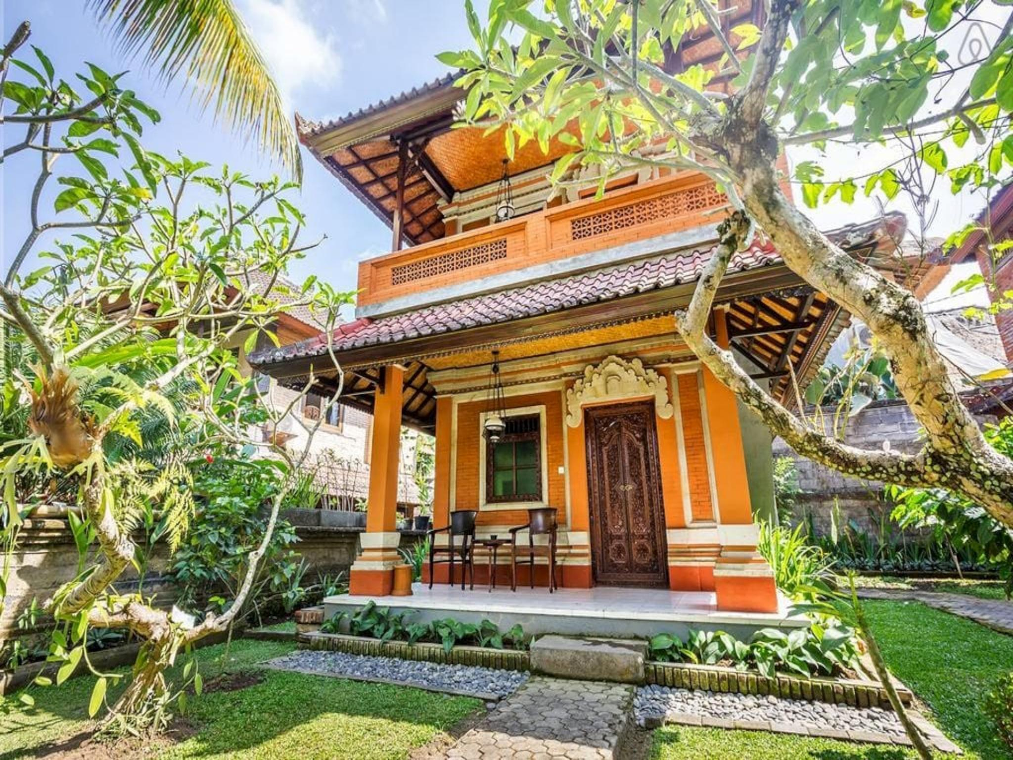 Best Bungalows close to Monkey Forest