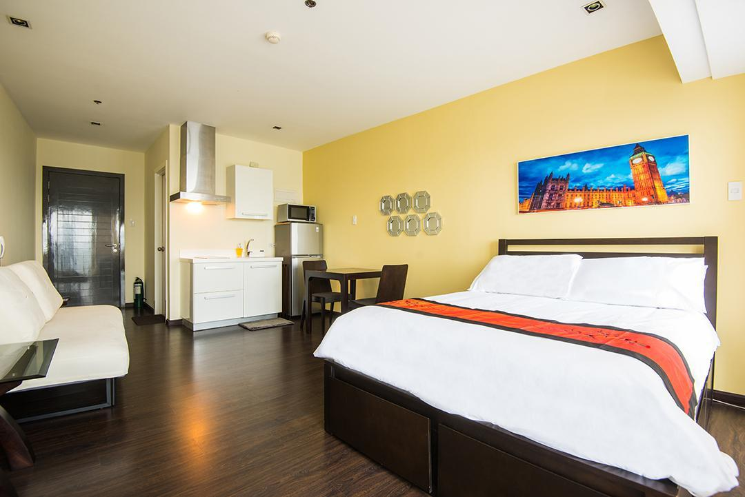 Trendy Suite At Knightsbridge Residences