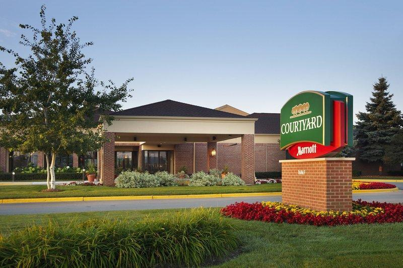 Courtyard Milwaukee Brookfield