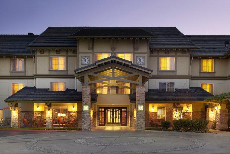 Larkspur Landing Folsom   An All Suite Hotel