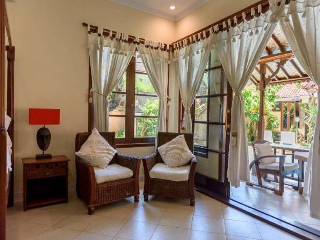 2 Bedroom Private Villa, 5Mints to Seminyak Beach