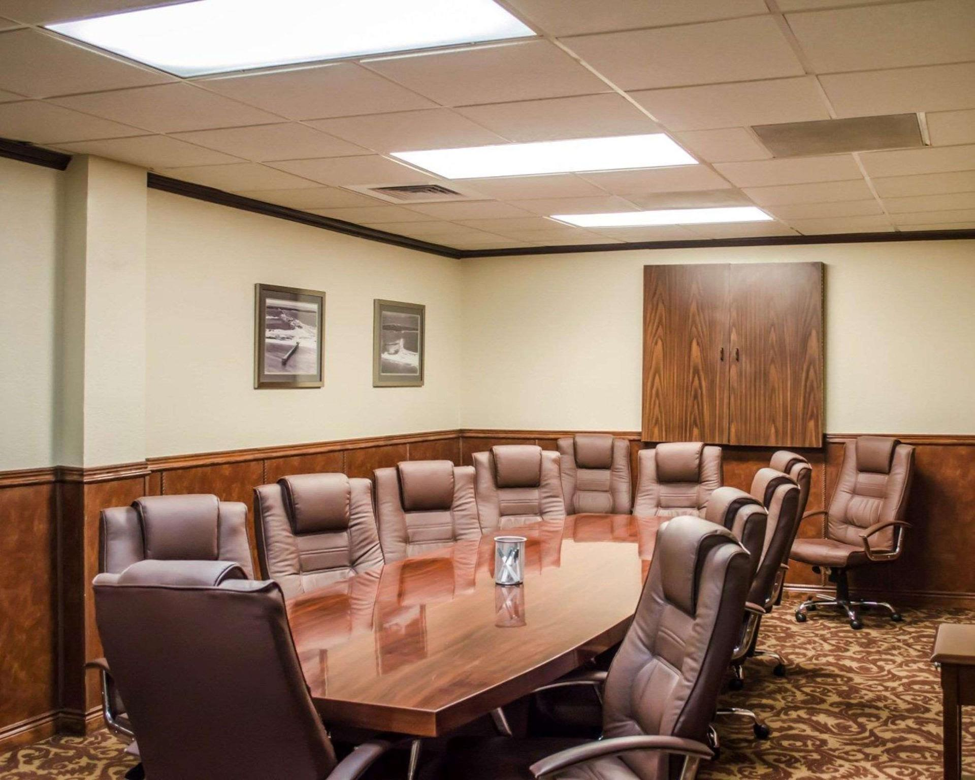Review Quality Inn and Suites Pensacola Bayview