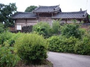 정재종택 한옥 게스트하우스  (Jeongjaejongtaek Hanok Guesthouse)