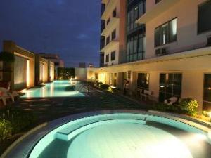 Astoria Plaza Full Service Residential Suites