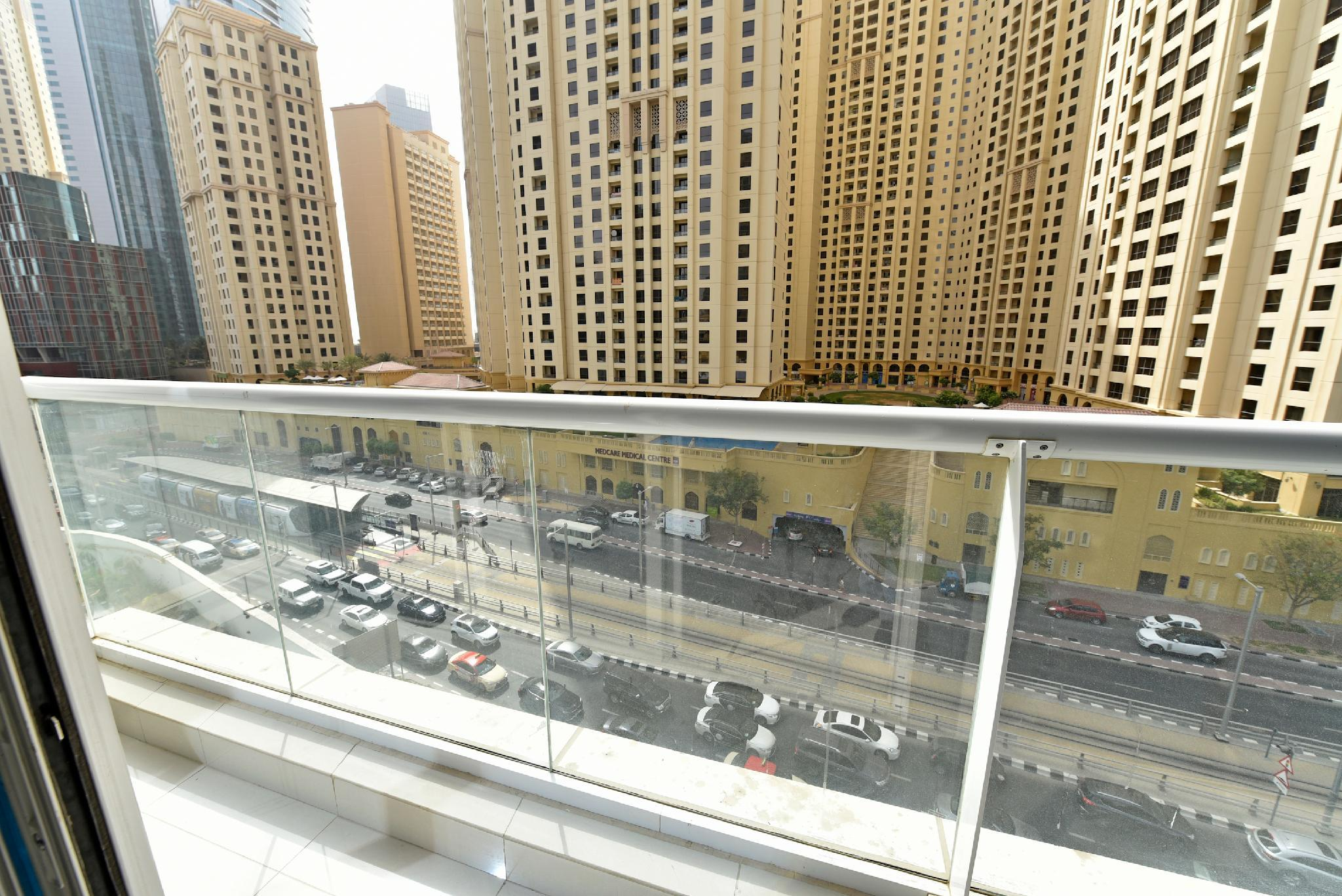 One Bedroom With City View In Continental Tower