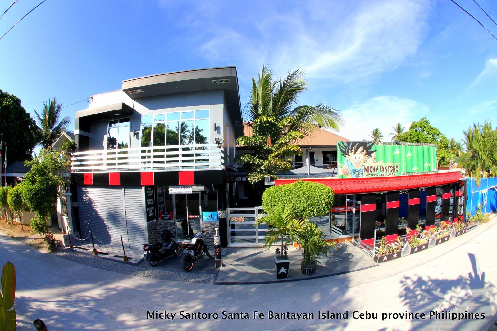 Micky Santoro Hotel And Restaurant