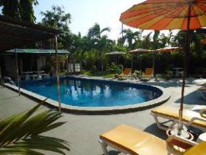 โรงแรมโลโนปส์ เกย์พาราไดซ์ (Lonops Gayparadise Hotel)