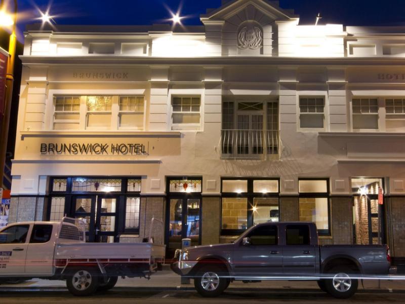 Tassie Backpackers @ The Brunswick Hotel