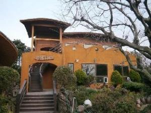 郭万南岛旅馆 (Gomangnandol Pension)