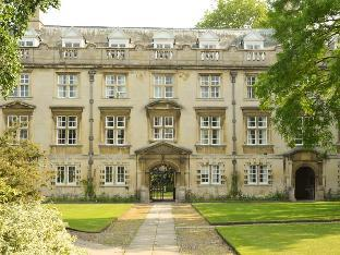 Фото отеля Christs College Cambridge Accommodation