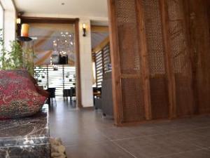 Diamond Hotel Suites