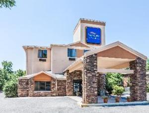 Baymont Inn & Suites Newark