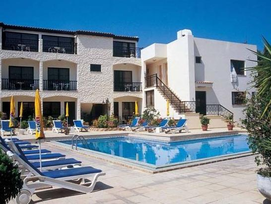 Nicos And Olympia Apartments