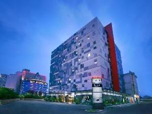 فندق نيو مانجا دوا سكوير (Hotel Neo Mangga Dua Square)