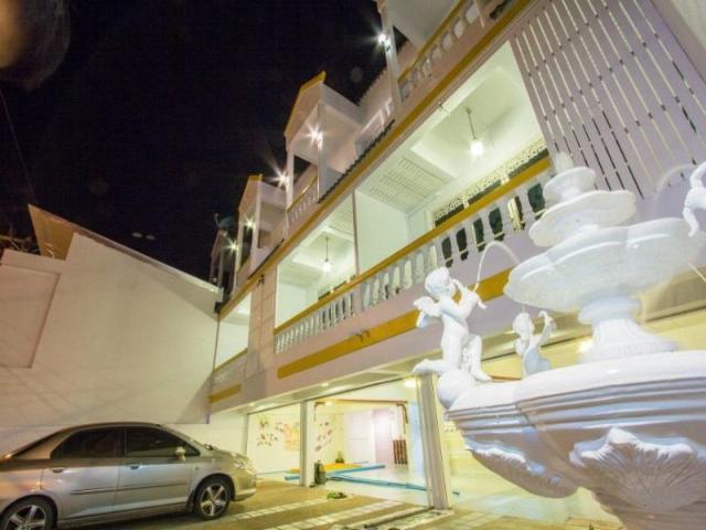 โรงแรมระเบียง ตรัง – Rabaeng Trang Hotel