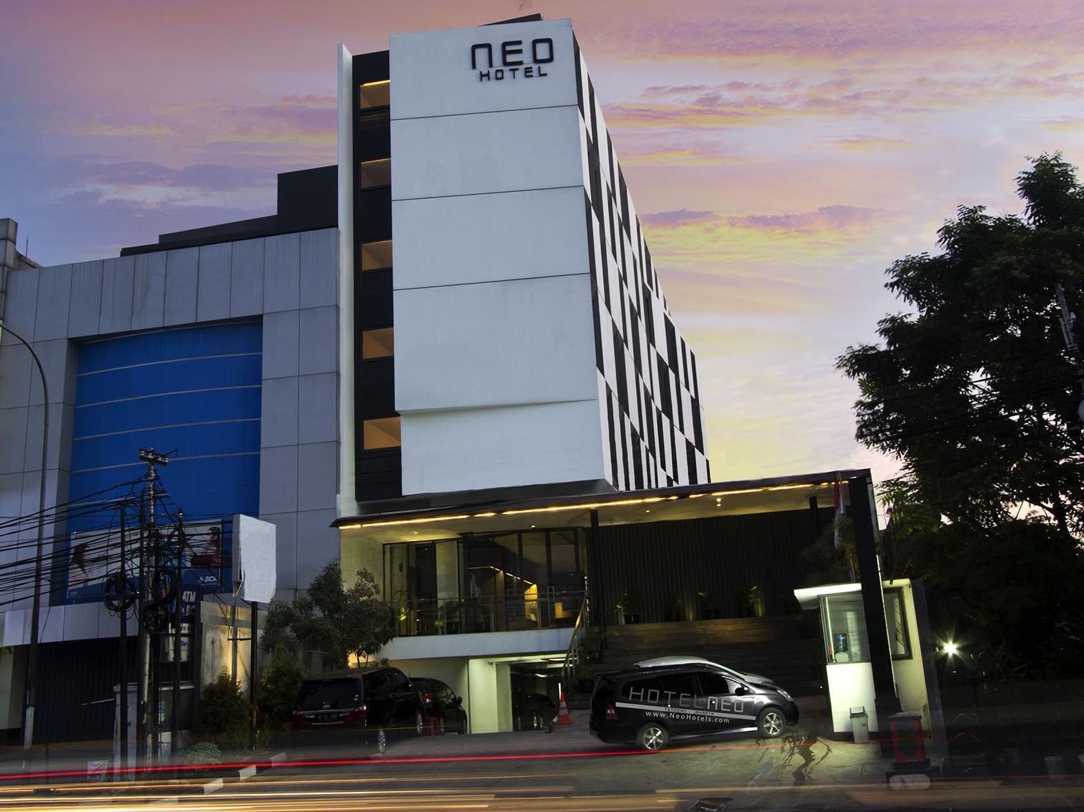 Hotel Neo Tendean By ASTON