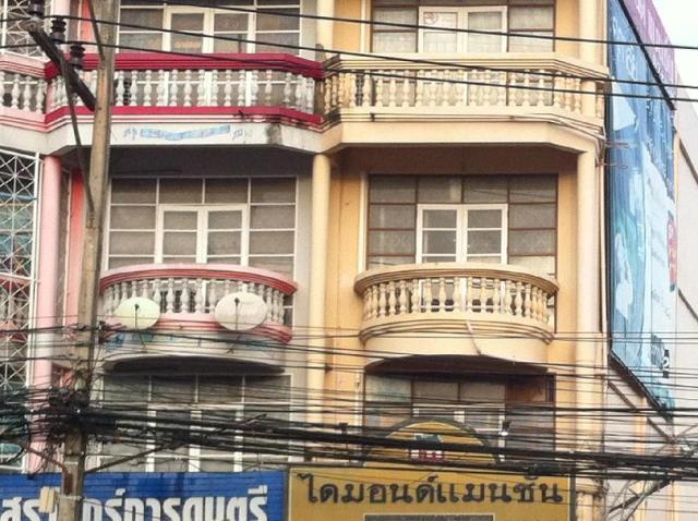 ไดมอนด์ แมนชั่น แอนด์ เกสต์เฮาส์ – Diamond Mansion & Guesthouse