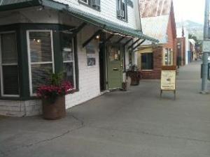 The Living Farm Cafe And Inn