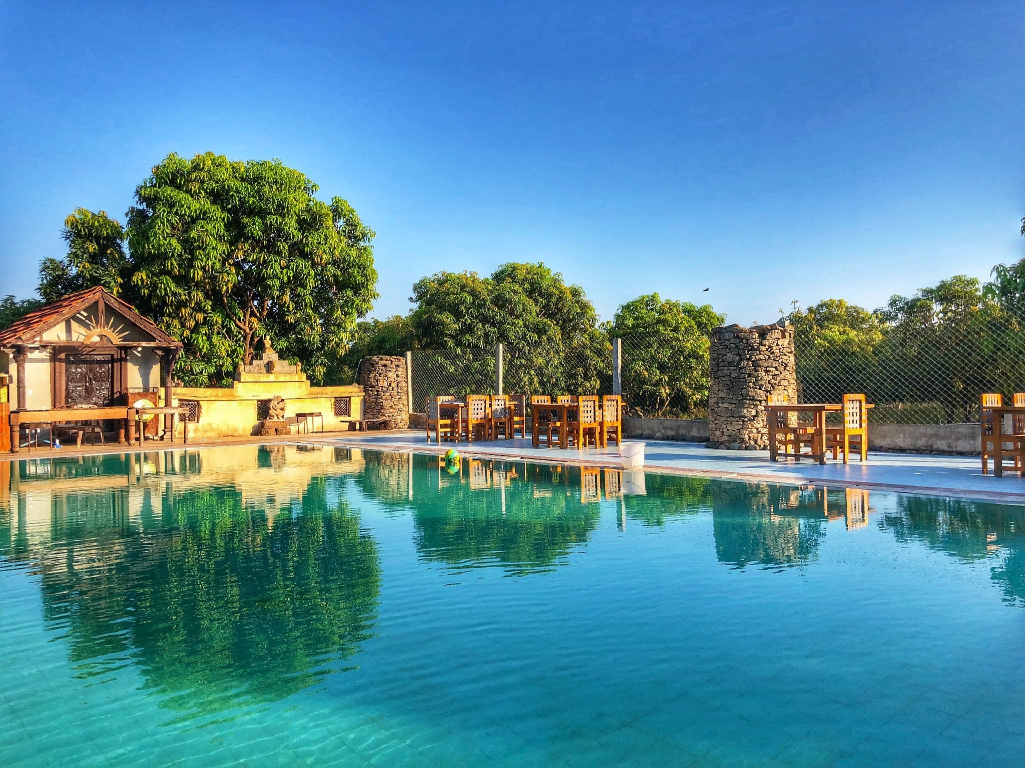 Gir Lions Paw Resort With Swimming Pool