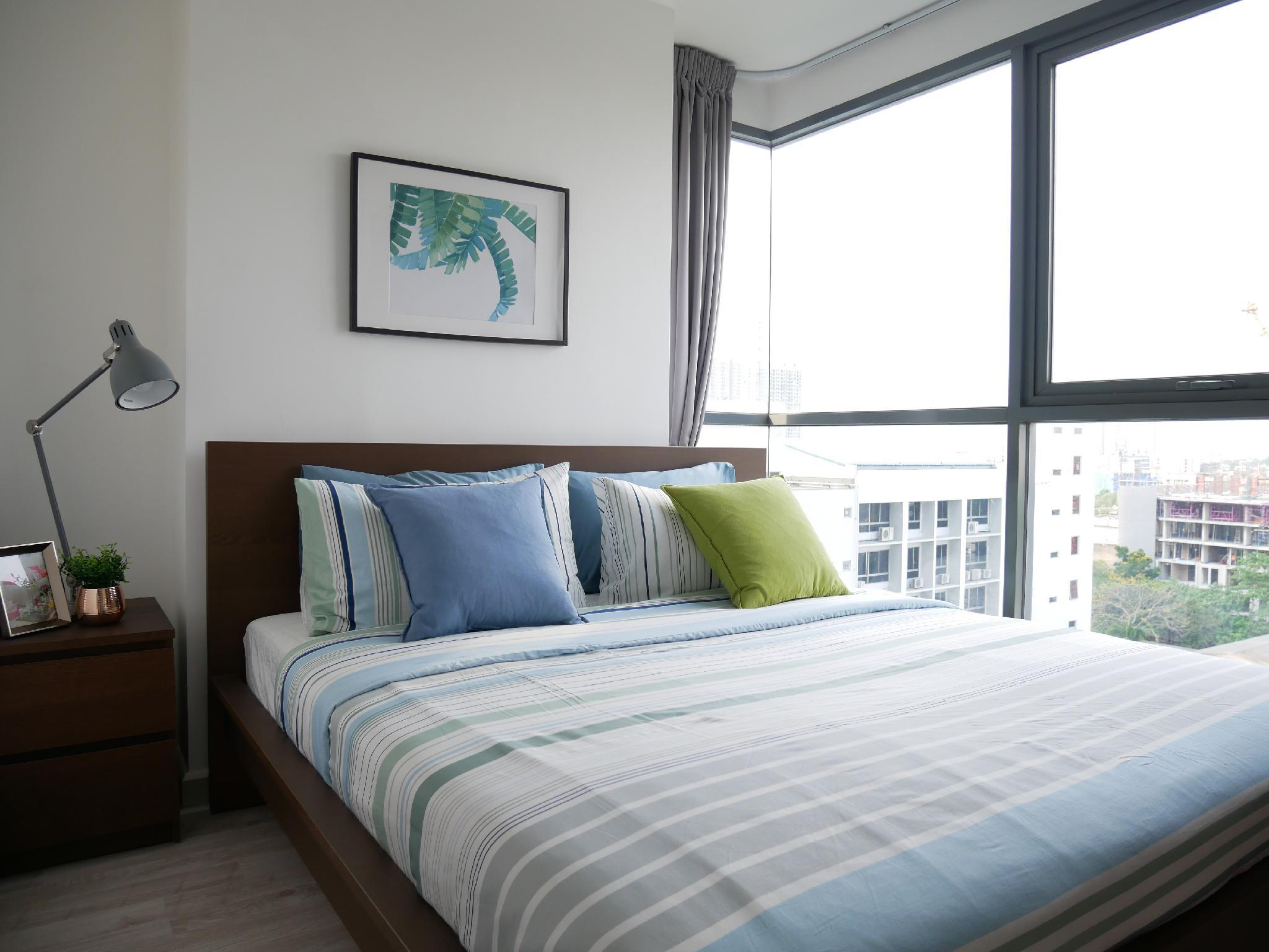 Cozy2BR StepsToBTS ComfyBed CityView Spacious Wifi