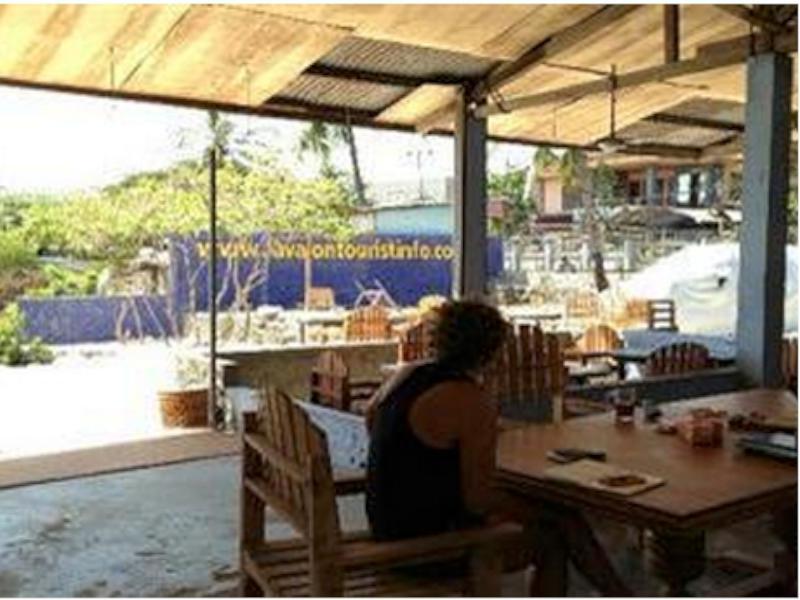 Lavalon Seaview Hostel And Bar
