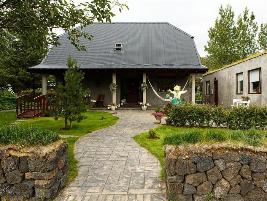 Varmi Guesthouse Apartments