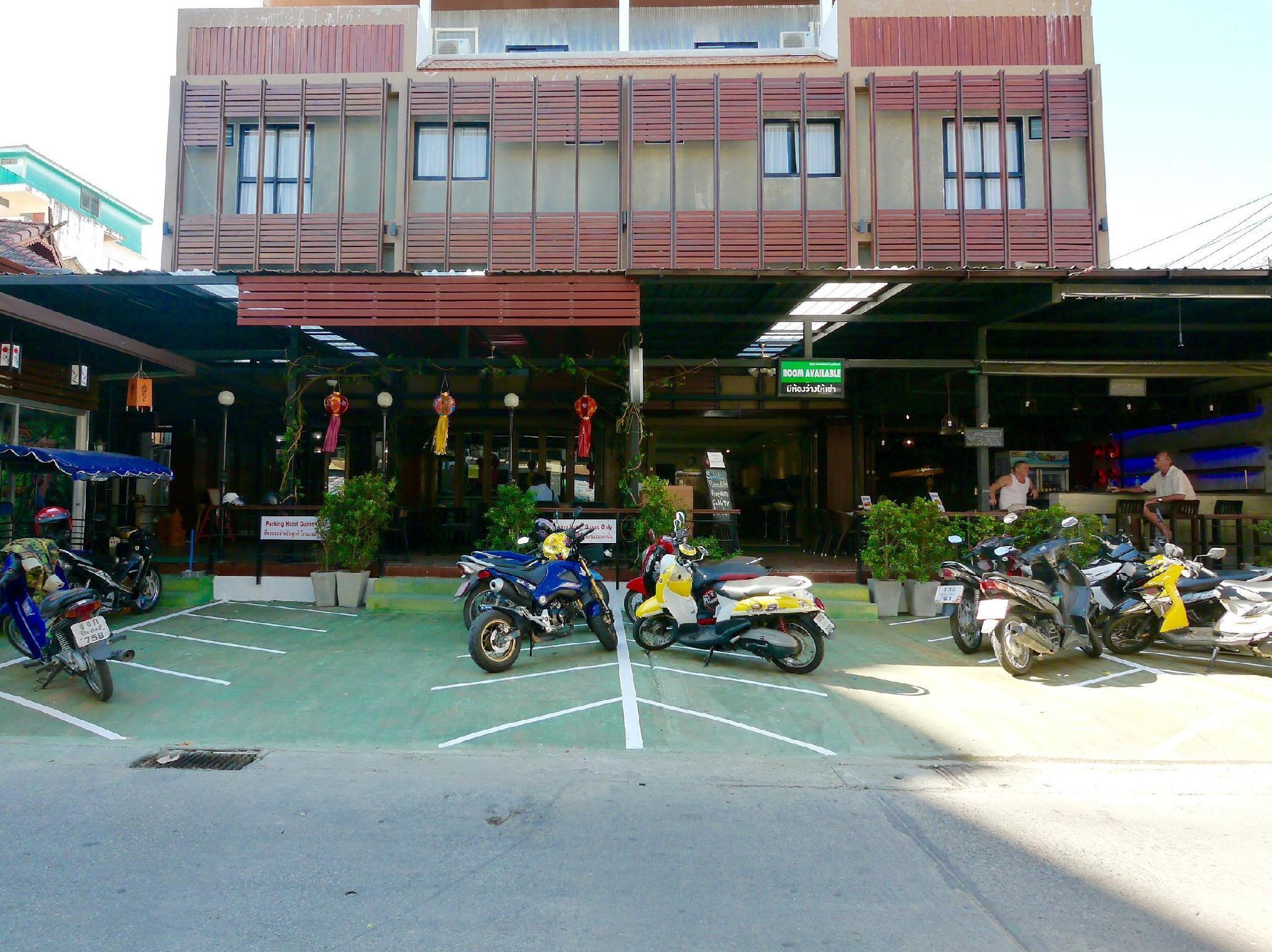 ประหยัดกว่า เบสิค ไลน์ โฮเต็ล แอท ลอยเคราะห์ (Basic Line Hotel at Loikroh) SALE