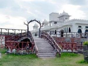 Palace Anjali -The Ranch at Charbhuja