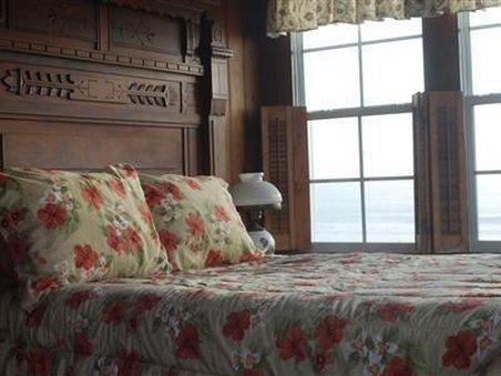 Amelia Oceanfront Bed And Breakfast