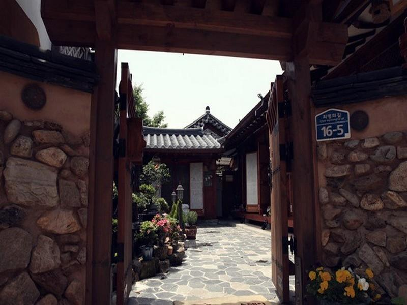 Daddle Hanok Guesthouse