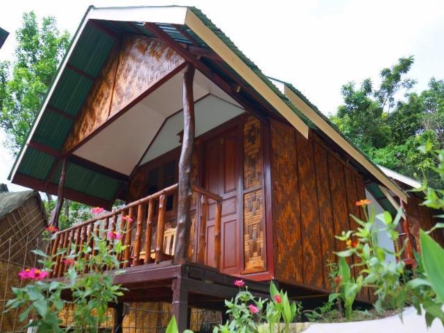 พีพี จังเกิล ฮิลล์ บังกะโล – Phi Phi Jungle Hill Bungalow