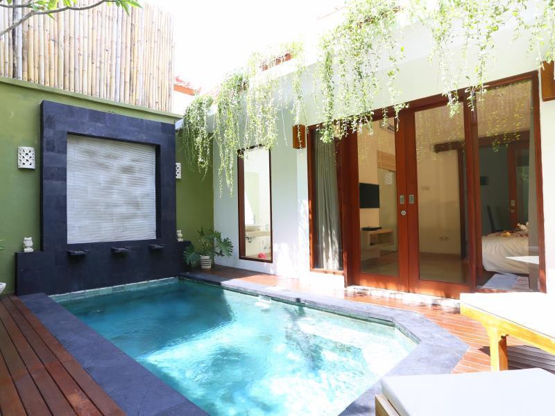 Jas Green Villas And Spa