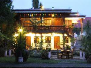 Sulyap Bed & Breakfast – Casa de Alitagtag Boutique Hotel