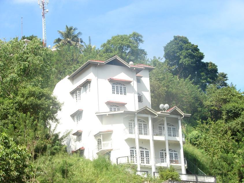 Kandyan Crown Hotel