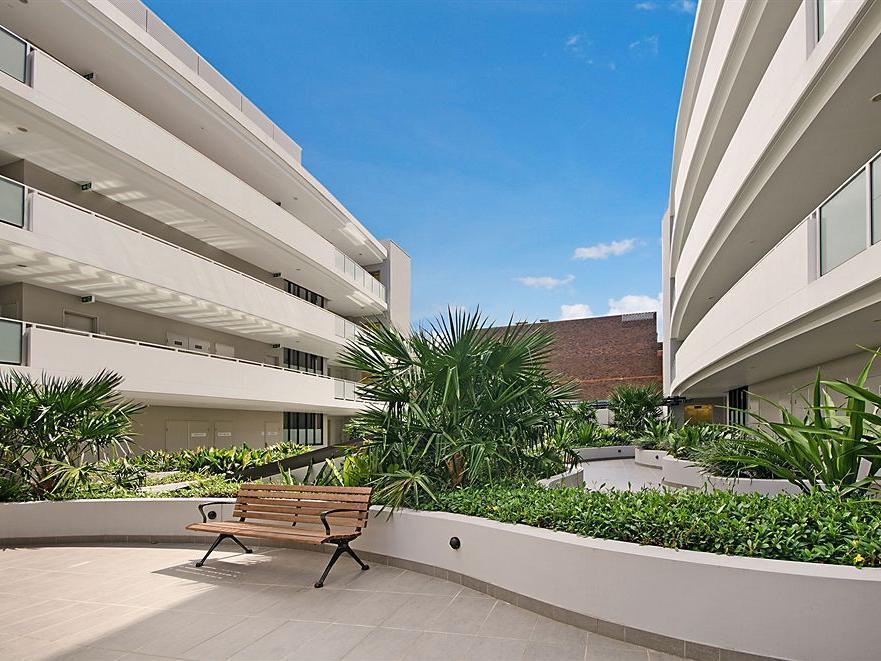 Wyndel Apartments   Bertram